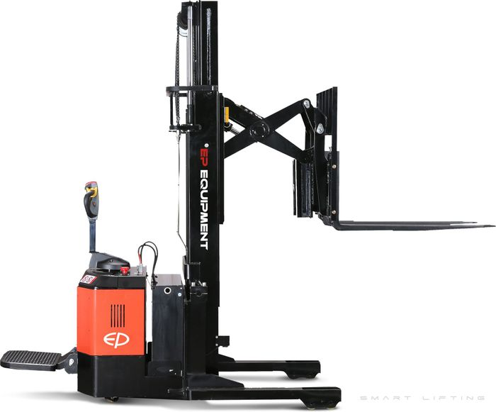 CQE15S-4800 - Pro 1.5t ride-on reach stacker with pantograph, sideshift and triplex 4.8m lift