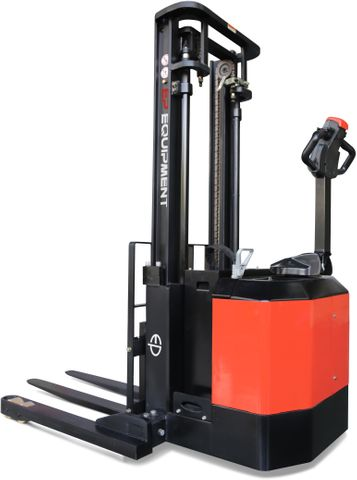 ES14-30WA-4500 - Pro 1.4t electric walkie stacker with straddle outriggers & triplex 4.5m lift