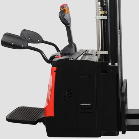 ES16-RSL-4500 - Li-ion 1.6t ride-on Europallet stacker with external charger & triplex 4.5m lift