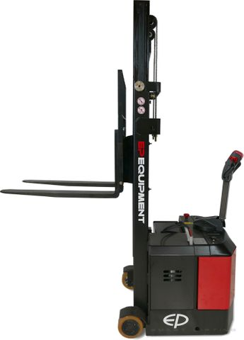 ES06-CA-2900 - Pro 0.6t counterbalance walkie stacker with legless design and 2.9m duplex lift