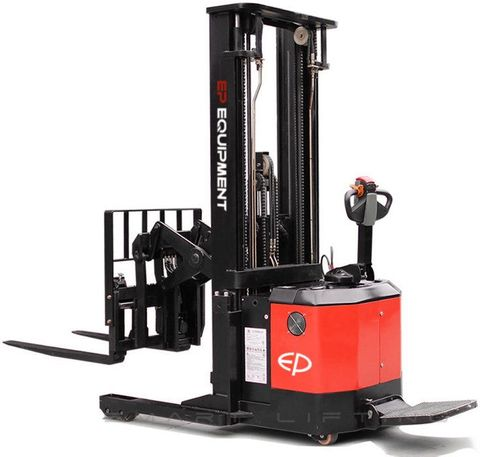 CQE15S-3000 - Pro 1.5t ride-on reach stacker with pantograph, sideshift and duplex 3.0m lift
