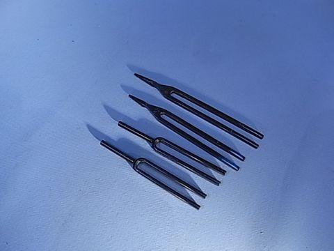 Tuning fork (F) 341.3 Hz blued steel