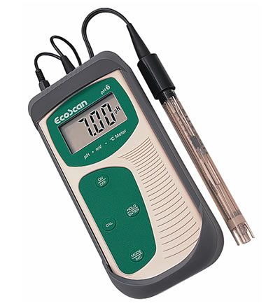 EcoScan PH6 pH/mV/C meter w/ carry case