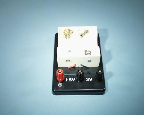 Holder battery 2x D cell 4mm terminal
