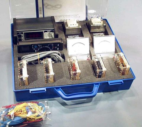 Electricity kit ac theory c/w choke caps