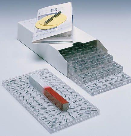 Magnetic field demonstrator plastic