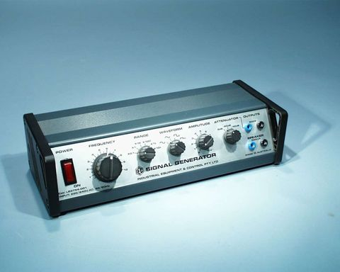 Signal generator 100kHz Hi-power 240V