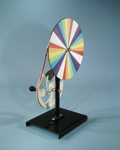 Newtons colour disc 18cm driven on stand