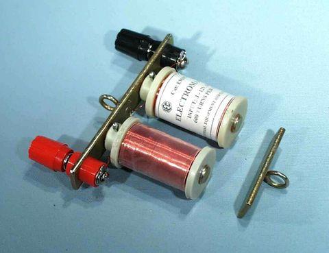 Electromagnet `U' core & armature 12V DC