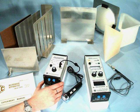 Microwave microphone with lead & plug