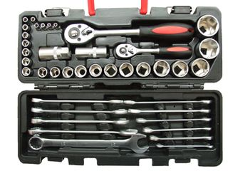 40PCS SOCKET AND WRENCH SET