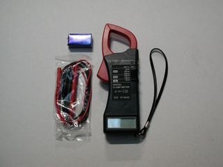 DIGITAL TYPE CLAMP METER WITH LEADS