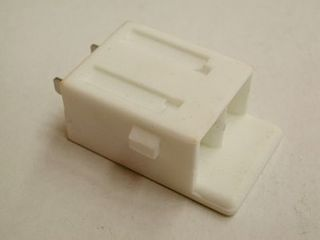 (44) REPLACEMENT BLOCK WHITE FOR SOCKET