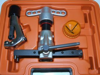 FLARING TOOL KIT 1/4-3/4 WITH ACCESORIES