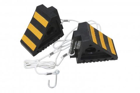 wheel chock - black / yellow(pr) with rope