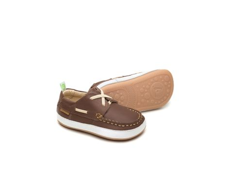 Tip Toey Joey Casual Boaty Old Brown & White