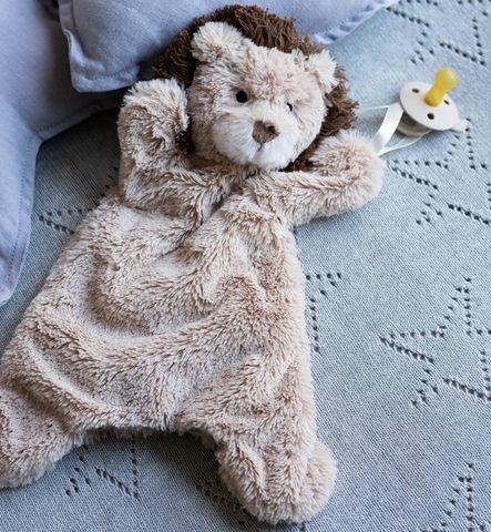 Hana Huchy Lewis the Lion Hoochy Coochie