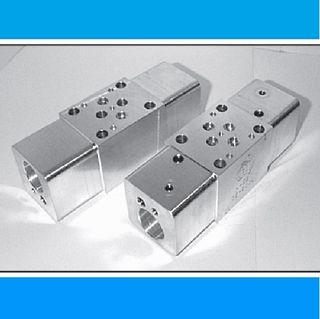 CETOP3, SANDWICH BODIES, A & B-PORT TO TANK, ALLOY - 210 BAR, DUAL COMMON CAVITY