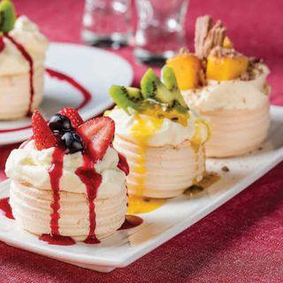 Mini Pavlova Tray Of 24 - Priestleys Gourmet Delights