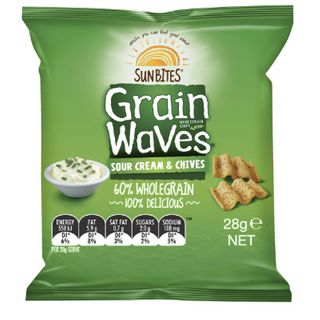 Grainwaves Sour Cream & Chives Chips 28Gx21 Smiths