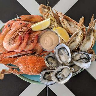 FRESH COOKED SEAFOOD PLATTER FOR 2