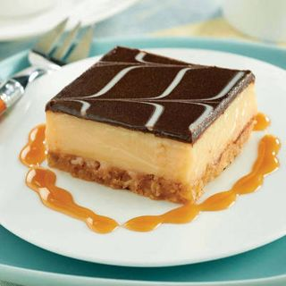 CARAMEL SLICE tray of 15 - Priestleys Gourmet Delights