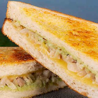 Toastie Chicken Cheese Guacamole 12 X 212G