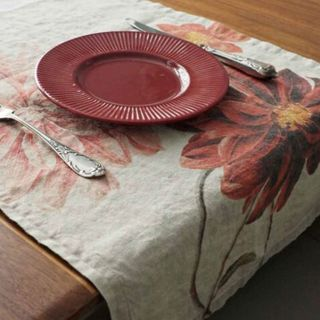 FLORENCE BY LR TABLE RUNNER - DAHLIA