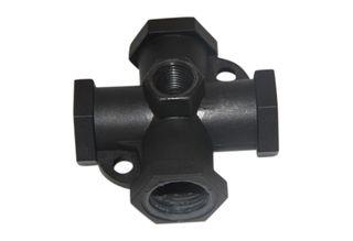 Cross 1/2 inch FMPT x 1/4 in gauge port