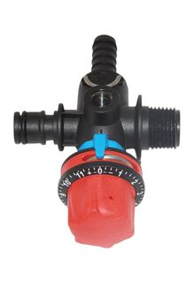 Quick attach pressure regulator