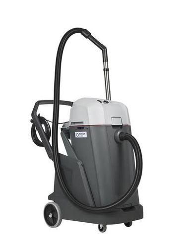 NILFISK VL500 -  WET & DRY COMMERCIAL VACUUM CLEANER