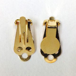 Clip On Earring 8mm Gold Pkt 40