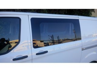 WINDOW - FIXED - L/H MIDDLE - LWB