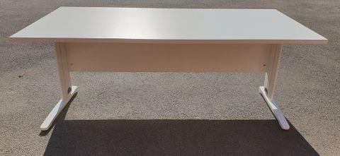 C-Leg Desk 1800*900*25 White Melamine Mod Top L1