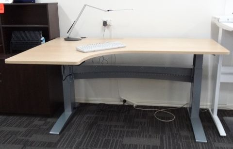DM11 J Top Desk 1200xD600 1800xD750mm L2 top