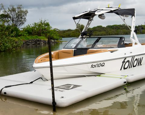 FOLLOW 2021 The Follow Dock - Infalatble Boat Docking System - Front