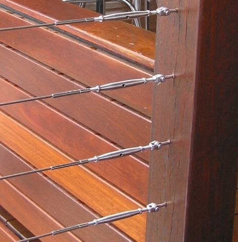 S/S WIRE BALUSTRADING