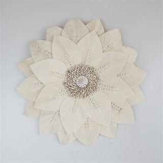 Leaf Circle Flowers w Shell Cream 40cm dia