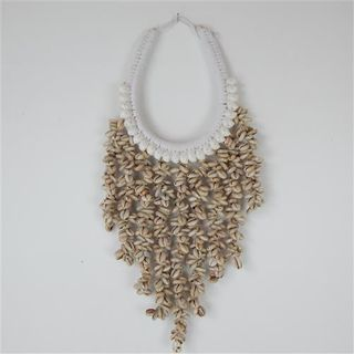 Coma Shell Necklace White 20cm x 40cm