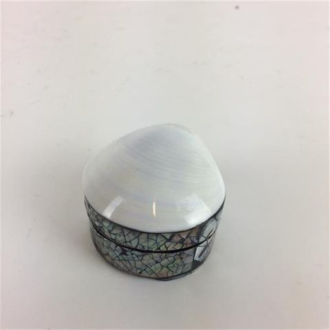 Milky Shell Box Sml 6cm