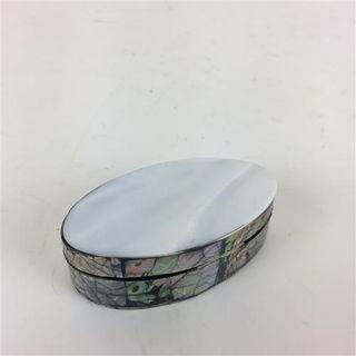 Oval Shell Box Sml 4cm x 8cm