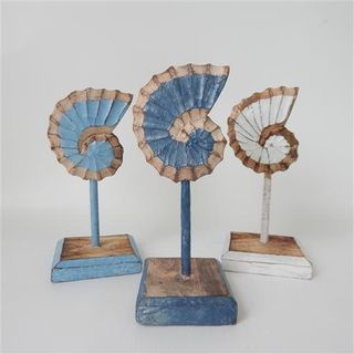Carved Shell on Stand s/3 White/Blue/Dk Blue 10cm x 24cm