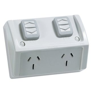 WATERPROOF SOCKET