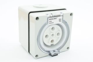 MANLAKIS SOCKET OUTLET 5 PIN 32A